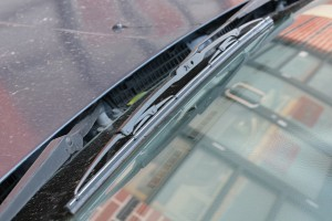 A autóüveg javítás egyszerűen megoldható