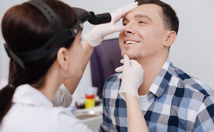 Hogyan néz ki egy szemészeti vizsgálat menete?