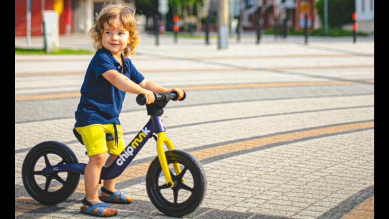 lábbal hajtós bicikli