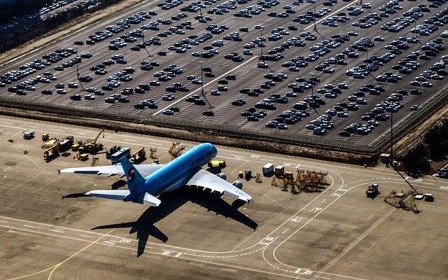 Online intézhető a reptéri parkolás